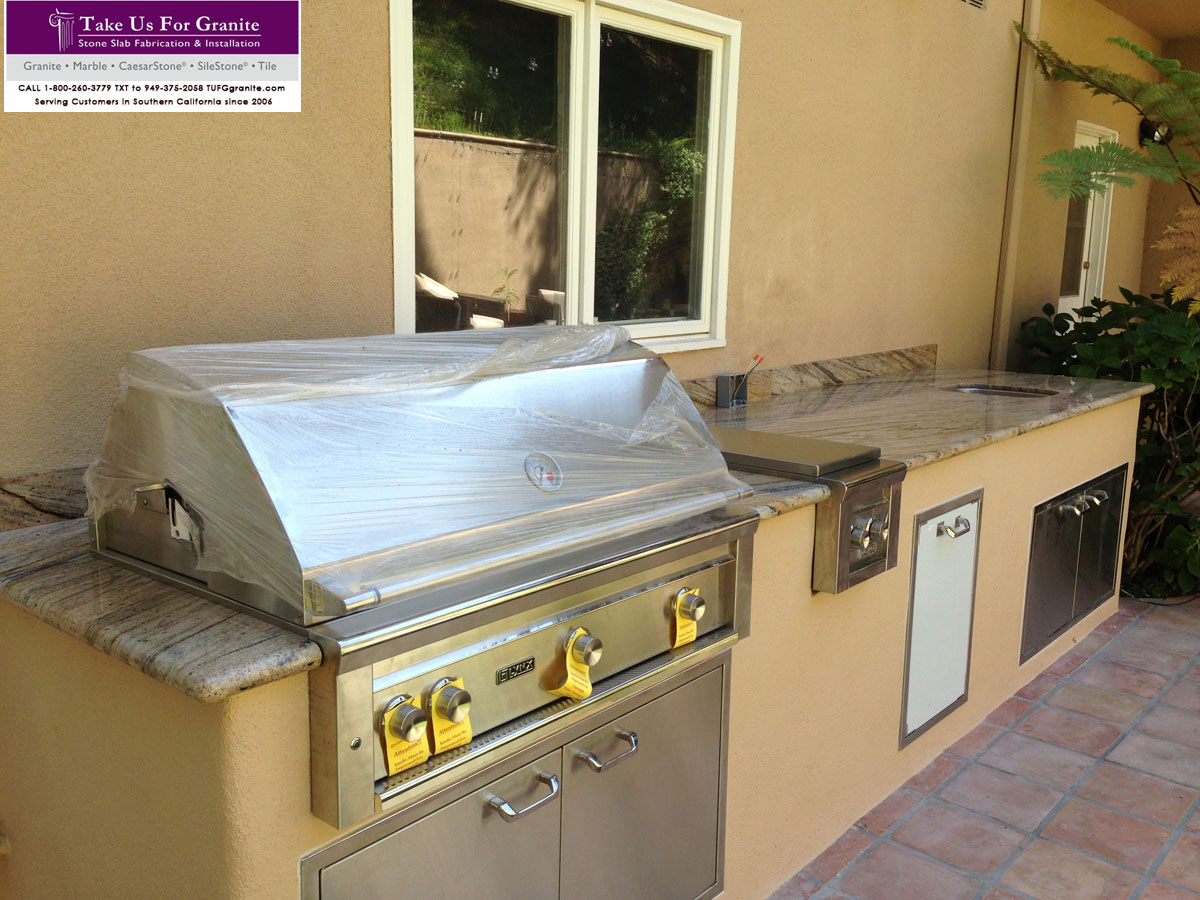 Outdoor kitchen and BBQ countertop installer